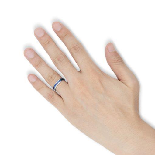 指にはめるブルーコーティング コンビネーション ステンレスリング