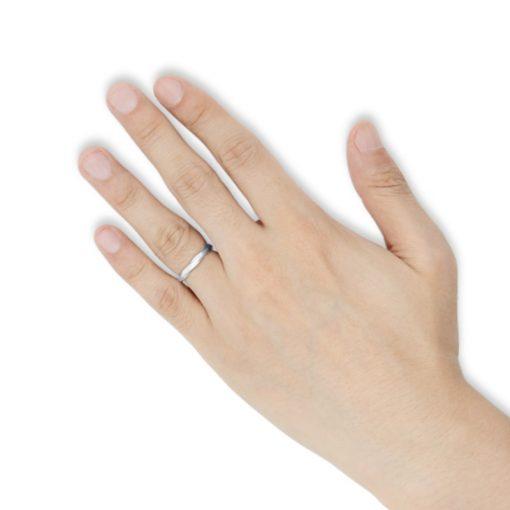 指にはめるツイスト ステンレスリング